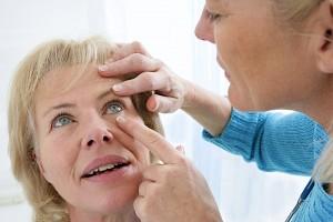 eye disease symptoms
