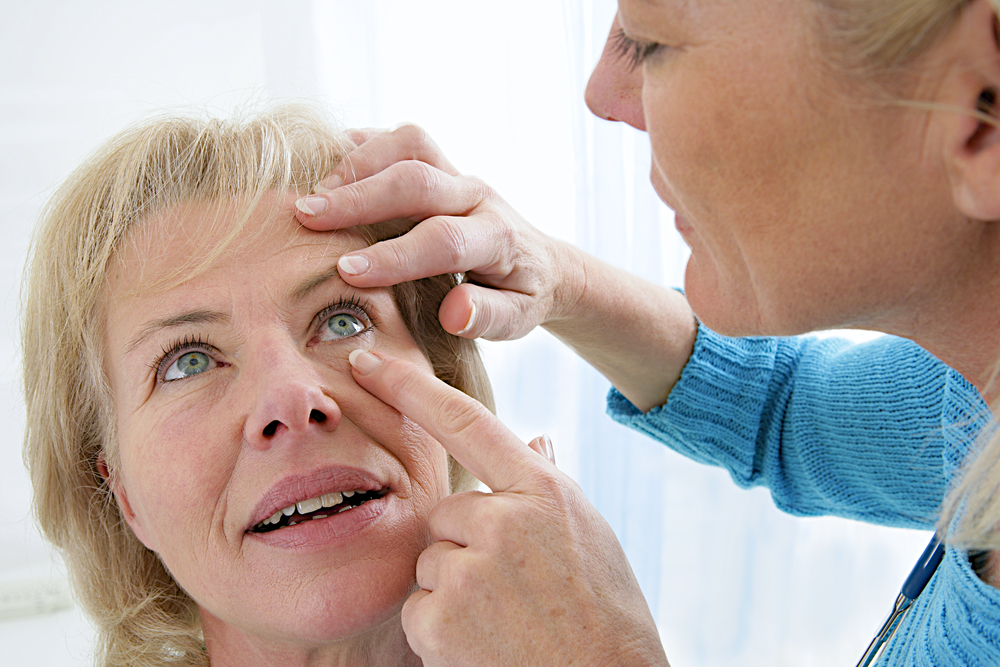 eye disease symptoms