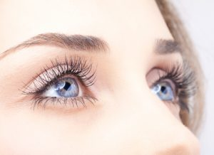 Tips to grow eyelashes