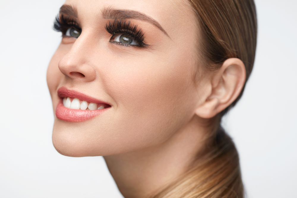 Is it possible to grow eyelashes?