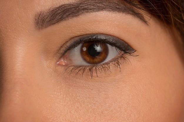 Dandruff on Eye Lash and Eyebrow